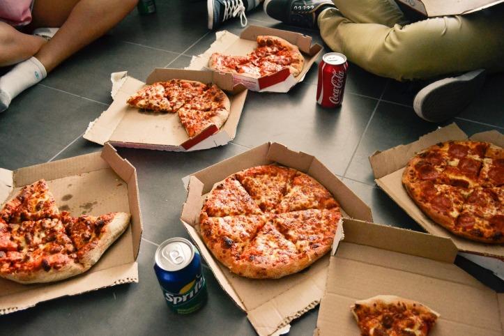 pizza-2618726_1920.jpg
