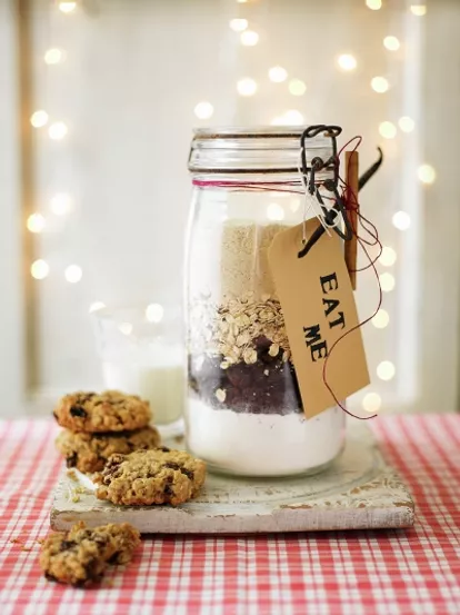 cookie in jar.png