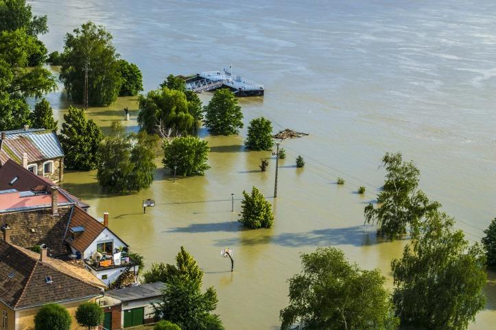 flood-139000_1920.jpg