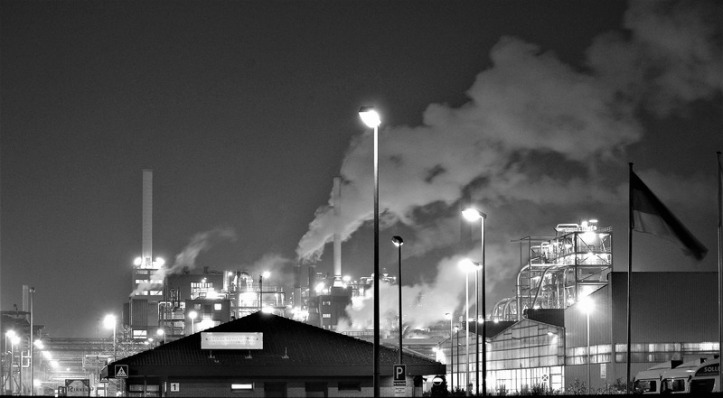 canva-grayscale-photography-of-a-factory-MADGyLEM9sc