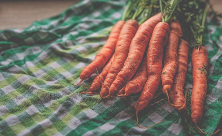 carrots-2880693.jpg